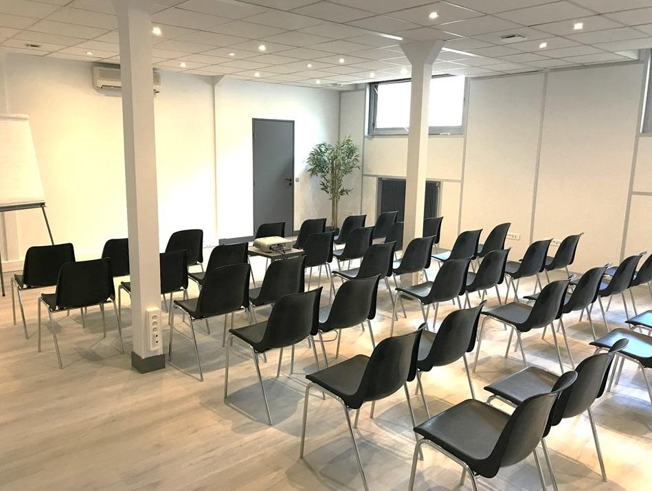 Démolition puis création de salle de réunion 80m² Neopôle Saint Maur des Fossés.