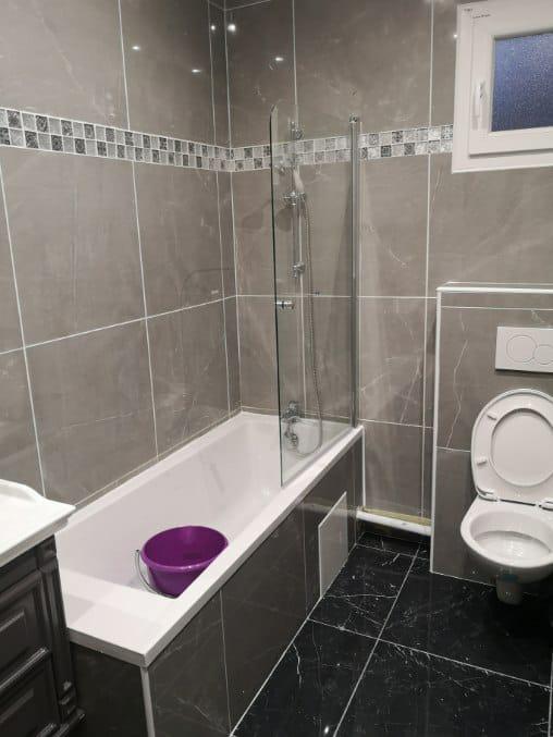 Salle de bains gris noir Châtelet